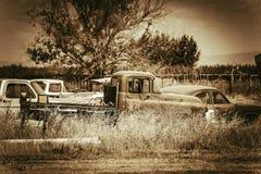 Cementerio envejecido de los coches Foto de archivo libre de regalías