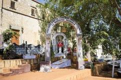 Cementerio hecho para el día mexicano de la celebración muerta foto de archivo