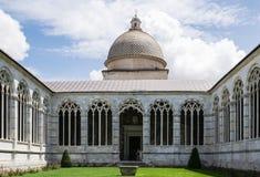 Cementerio monumental en el cuadrado de milagros - Pisa - Italia Foto de archivo