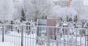 Cementerio nevado almacen de metraje de vídeo