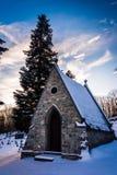 Cementerio nevado en la gruta de Lordes en Emmitsburg, marcha Imagen de archivo