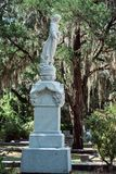Cementerio Savannah Georgia de Dieter Cemetery Statuary Statue Bonaventure imagen de archivo libre de regalías