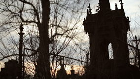 Cementerio viejo con las cruces antiguas 3 almacen de video
