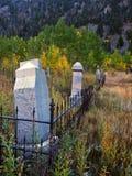 Cementerio viejo en color del otoño Imagen de archivo libre de regalías