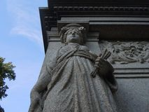 Cementery del dettaglio della donna della statuetta della statua fotografia stock libera da diritti