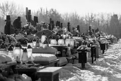 Cementery z nagrobkami i krzyżami, Obraz Stock