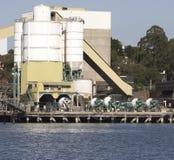 cementlastbilar arkivbild