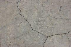 Cementmuur met barst Stock Foto