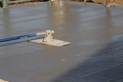 Cemento de colada mojado Imagen de archivo