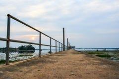 Cemento del ponte del cielo Immagini Stock