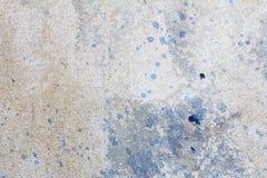 Cementowa ściana z plamą błękitny nafciany kolor, cementowa tekstura Zdjęcia Royalty Free