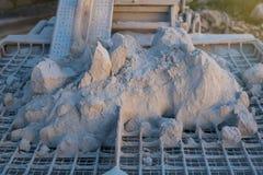 Cementstapel op de rooster Royalty-vrije Stock Foto
