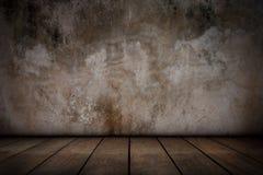 Cementväggar och gamla trägolv Royaltyfria Bilder