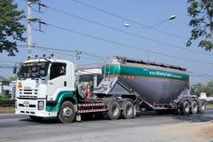 Cementvrachtwagen Stock Afbeeldingen