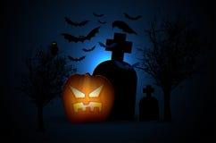 Cemitério assustador - noite de Dia das Bruxas Fotografia de Stock