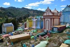 Cemitério colorido na Guatemala de Chichicastenango fotografia de stock royalty free