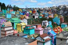 Cemitério colorido na Guatemala de Chichicastenango fotos de stock