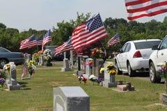 Cemitério da cidade de Sallisaw, Memorial Day, o 29 de maio de 2017 Imagem de Stock Royalty Free