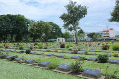 Cemitério da guerra de Kanchanaburi Fotografia de Stock Royalty Free