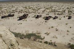 Cemitério dos barcos na área de mar de Aral fotografia de stock royalty free