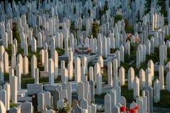 Cemitério em Sarajevo, em Bósnia e em Herzegovina Foto de Stock