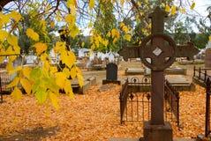 Cemitério histórico no outono Fotos de Stock Royalty Free