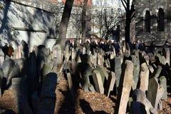 Cemitério judaico velho em Praga imagens de stock royalty free
