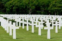 Cemitério militar da segunda guerra mundial das sepulturas dos E.U. fotografia de stock royalty free