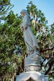 Cemitério Savannah Georgia de Dieter Cemetery Statuary Statue Bonaventure foto de stock royalty free