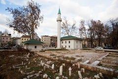 Cemitério velho perto da mesquita Fotos de Stock