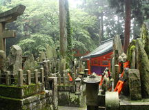 Cemitério xintoísmo japonês Imagens de Stock