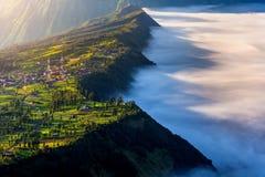 Cemoro-lawang Dorf am Morgen in Bromo-tengger semeru Nationalpark, Osttimor, Indonesien Lizenzfreie Stockfotografie