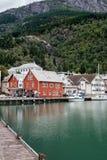 Cenário bonito da cidade de Odda em Noruega fotos de stock royalty free