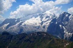 Cenário bonito da montanha com a montanha distintiva da geleira do marmolada Imagens de Stock Royalty Free