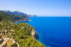 Cenário da ilha, seascape da Espanha de Mallorca Litoral idílico de Majorca, mar Mediterrâneo no dia ensolarado Fotos de Stock Royalty Free
