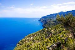 Cenário da ilha, seascape da Espanha de Mallorca Litoral idílico de Majorca, mar Mediterrâneo no dia ensolarado Imagens de Stock