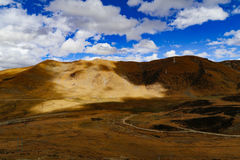 Cenário da montanha da estrada na movimentação do turismo do xizang Foto de Stock