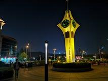 Cenário da noite de Qingdao de construções velhas imagem de stock