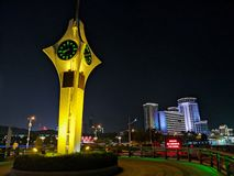 Cenário da noite de Qingdao de construções velhas fotografia de stock