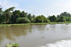 Cenário da paisagem bonita no rio de Saigon em Ho Chi Minh City, Vietname, Ásia imagem de stock