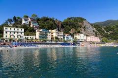 Cenário 2 da praia de Monterosso Fotografia de Stock Royalty Free