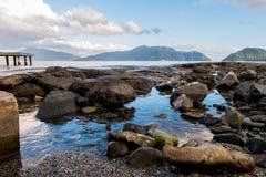 Cenário da rocha da praia Imagem de Stock
