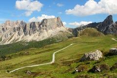 Cenário das montanhas - dolomites - os cumes italianos Fotos de Stock Royalty Free