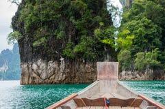 Cenário de Cheow Lan Lake Foto de Stock Royalty Free