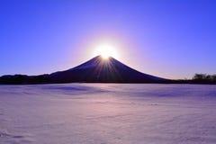 Cenário de Diamond Fuji Snowy fotografia de stock
