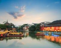 Cenário de Nanjing do rio do qinhuai no anoitecer imagens de stock