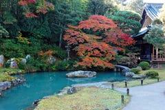 Cenário de um jardim japonês dentro Shoren-em, um templo budista famoso em Kyoto Japão Foto de Stock