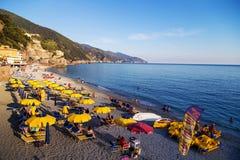Cenário do beira-mar de Riomaggiore Foto de Stock