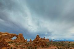 Cenário do deserto do parque nacional dos arcos no outono Imagem de Stock Royalty Free