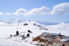 Cenário do inverno na parte superior da montanha Fotos de Stock Royalty Free